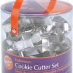 18 Piece Wilton Halloween Cookie Cutter Set only $6.89