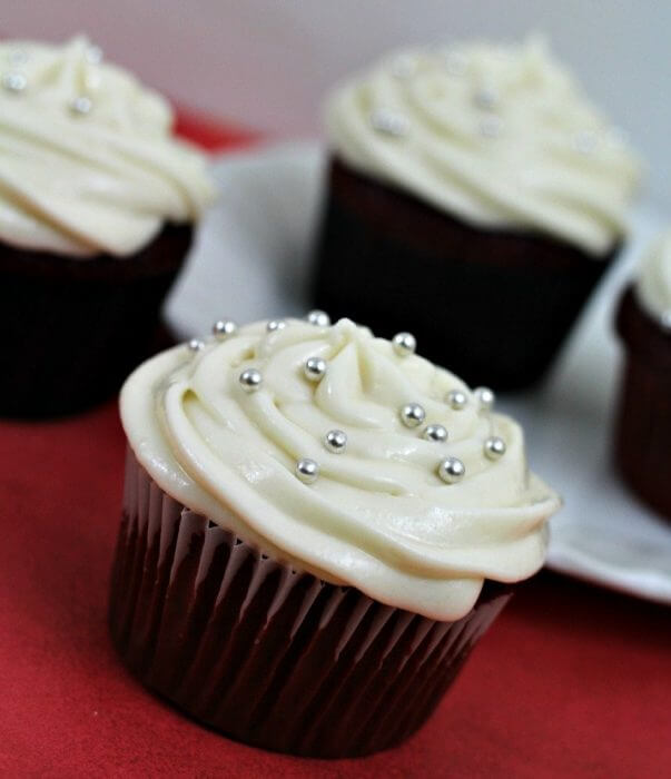 red velvet cupcakes with apple cider cream cheese frosting
