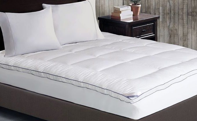 Kathy Ireland 1,000 Thread-Count Luxury Mattress Pad