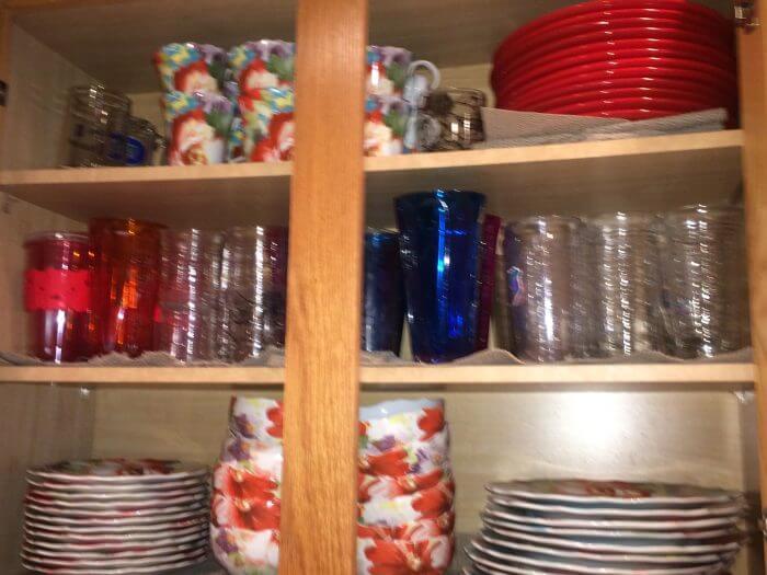 best way to organize kitchen