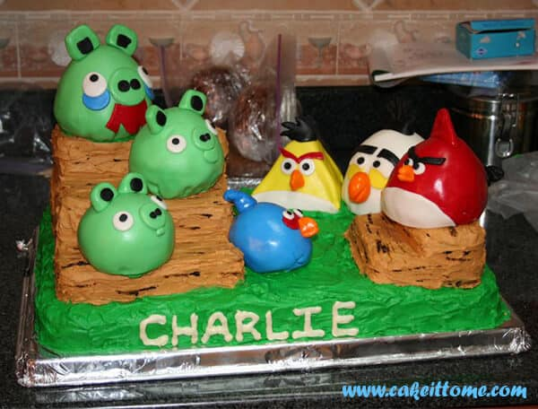 Fun Cake Designs: Angry Birds Cakes