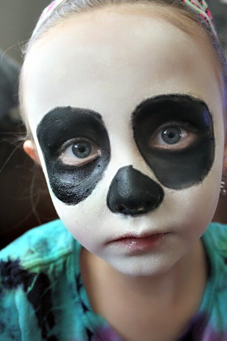 Easy And Fun Halloween Sugar Skull Make Up for Kids