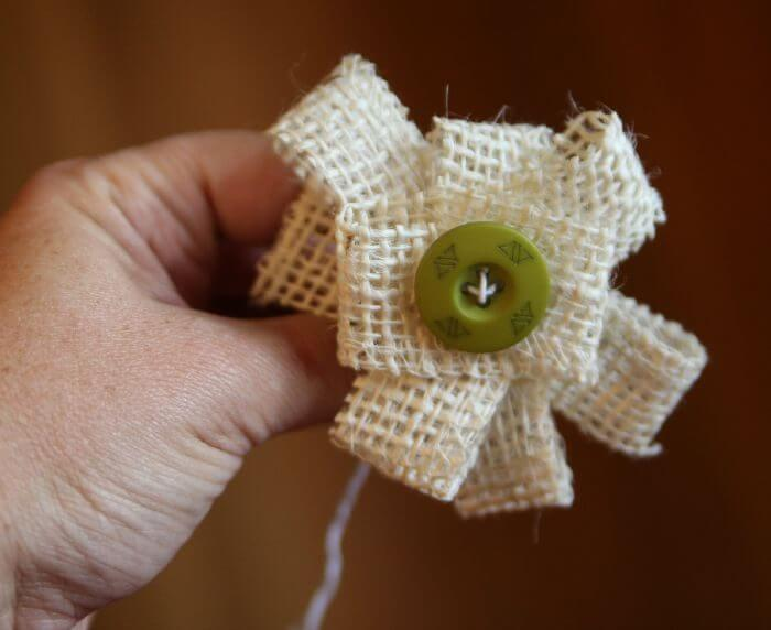 how to make burlap flowers spread the loops out