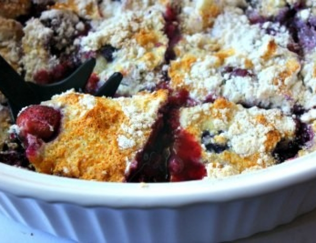 Mixed Berry Cobbler Cake