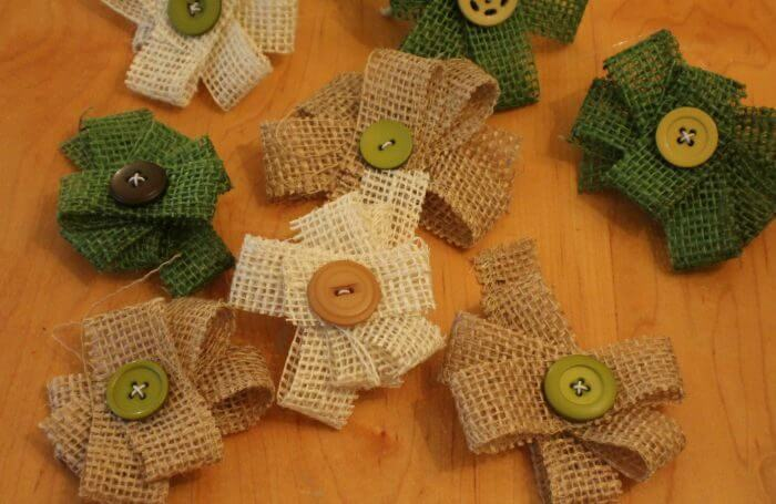 how to make burlap flowers lots of burlap flowers