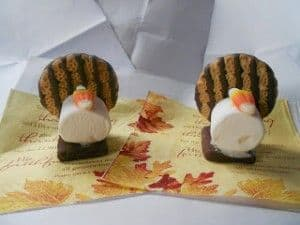 Cute Edible Turkey Decoration for Thanksgiving Table